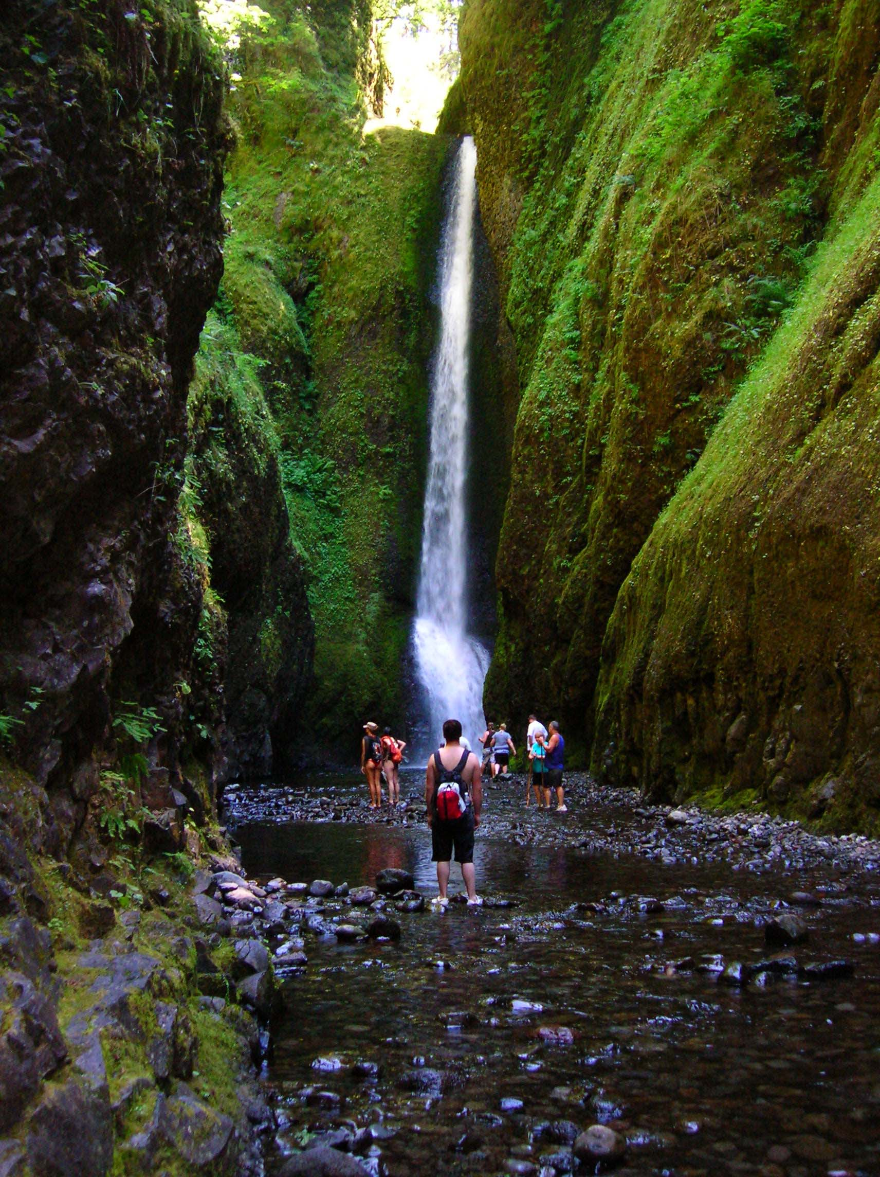 oneonta gorge oregon usa shah nasir travel. Black Bedroom Furniture Sets. Home Design Ideas